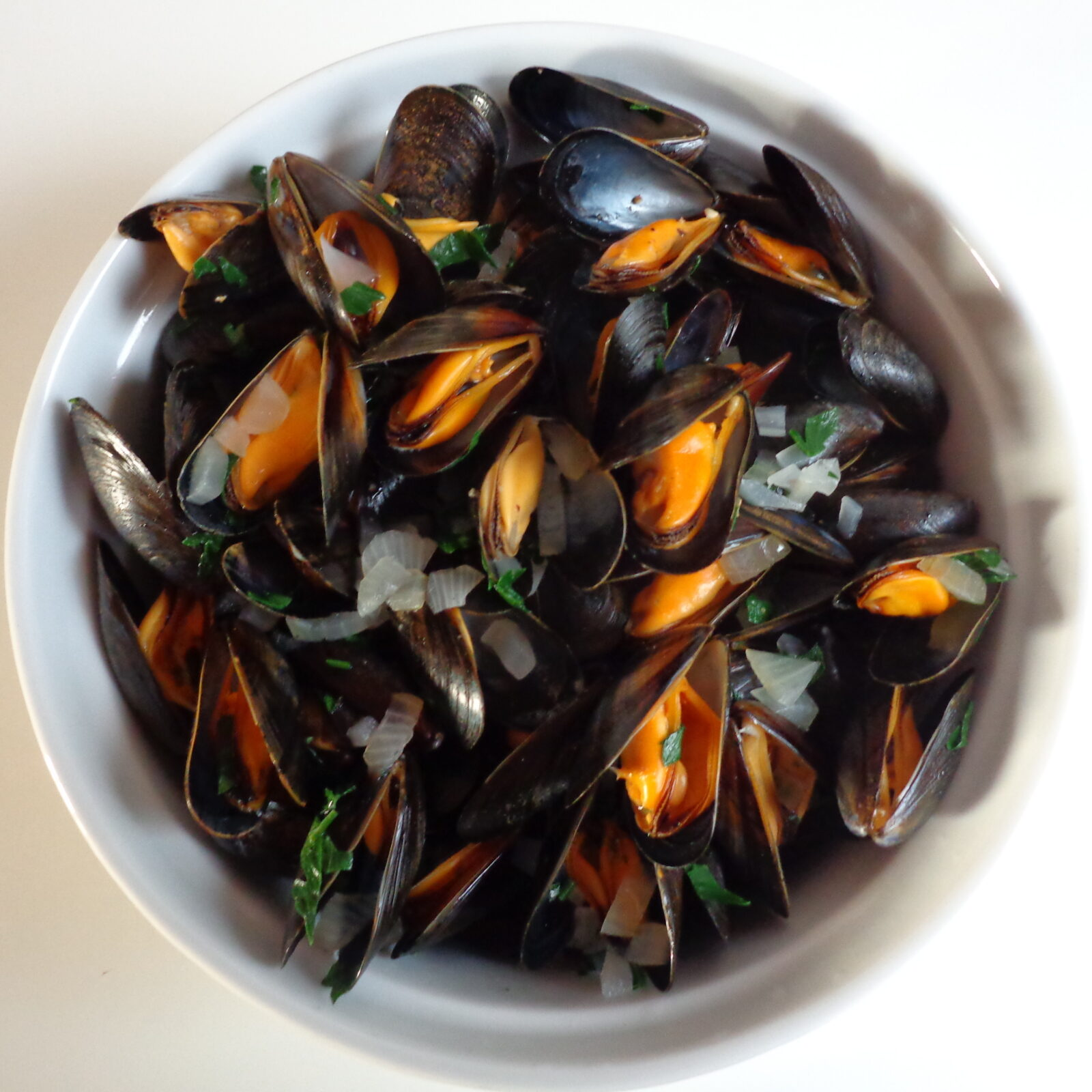 Mussels steamed in white wine | The Everyday French Chef